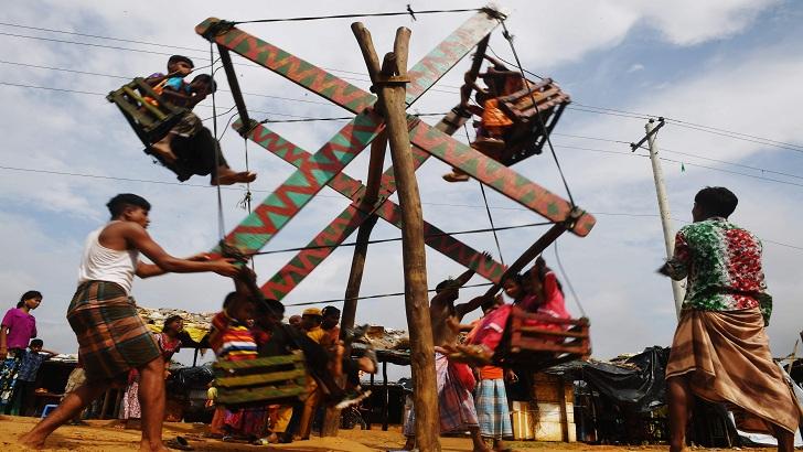 কুতুপালংয়ে ঈদ উৎসবে মেতে উঠেছে রোহিঙ্গা শরণার্থীরা-এএফপি