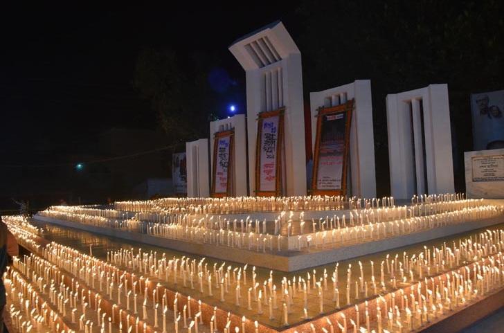 যশোরে ভাষা শহীদদের স্মরণে ৫ সহস্রাধিক মোমবাতি প্রজ্বালন