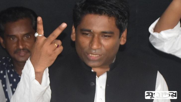 নির্বাচনে বিজয়ী সেরনিয়াবাত সাদিক আবদুল্লাহ