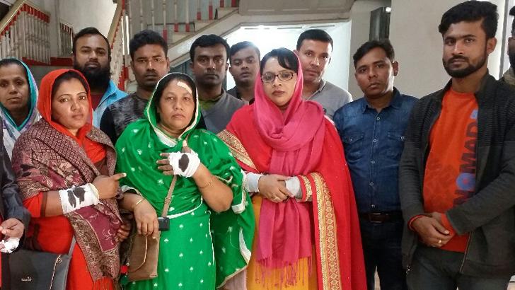 গাজীপুরে বিএনপি প্রার্থীর স্ত্রীর গণসংযোগে হামলা, গাড়ি ভাঙচুর