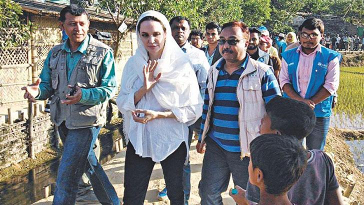 কুতুপালংয়ে রোহিঙ্গাদের দুর্দশার কথা শুনলেন অ্যাঞ্জেলিনা জোলি