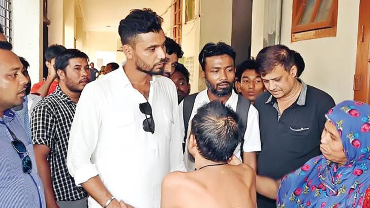A sudden trip of Mashraf to Narail Hospital, 4 Doctor OSD
