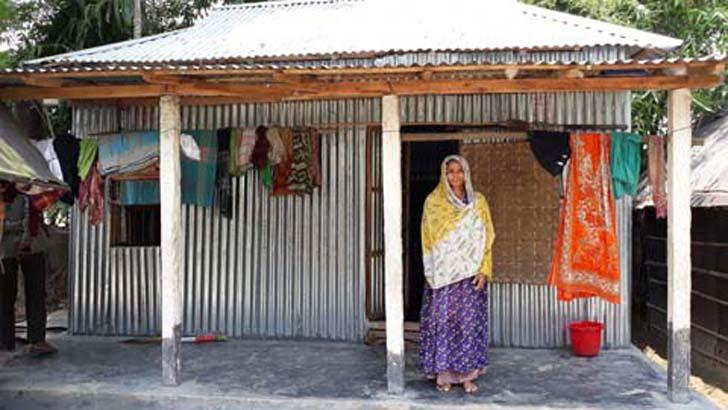 'জমি আছে ঘর নাই' আশ্রয়ন প্রকল্পের ঘর পেয়ে খুশী নান্দাইলের ৪৪১ পরিবার