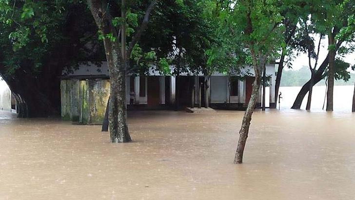 তাহিরপুরে ৩০ স্কুল পানিবন্দি