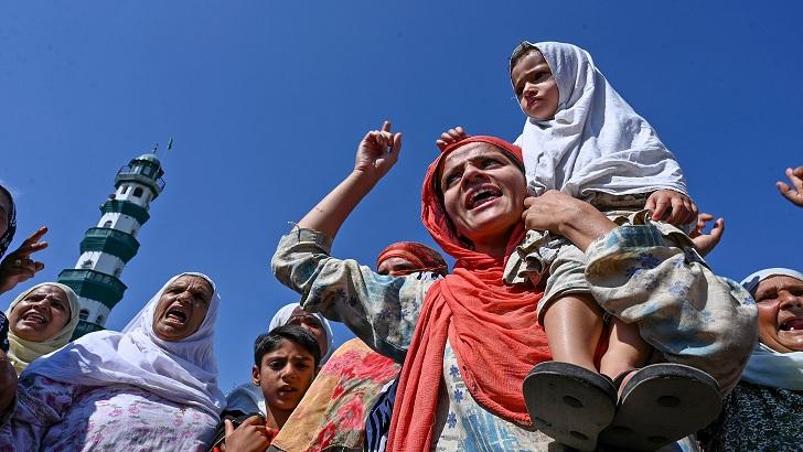 অচলাবস্থা উপেক্ষা করে কাশ্মীরের 'গাজায়' বিক্ষোভ