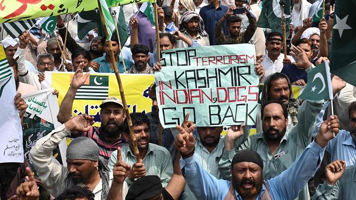 কাশ্মীরিদের সঙ্গে সংহতি: পাকিস্তানে আজ দেশব্যাপী বিক্ষোভ