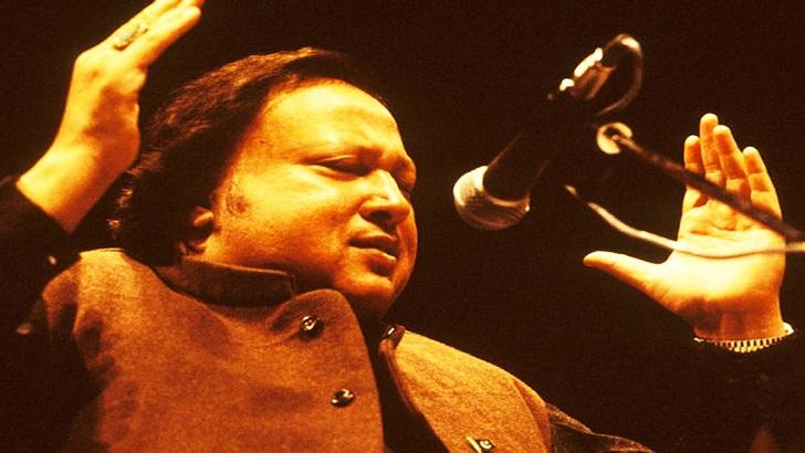 উপমহাদেশের প্রখ্যাত সংগীতশিল্পী নুসরাত ফতেহ আলী খান। ছবি: সংগৃহীত