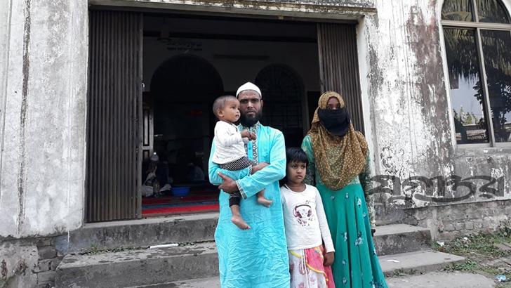 ছাতকে একই পরিবারের ৪ জনের ইসলাম গ্রহণ