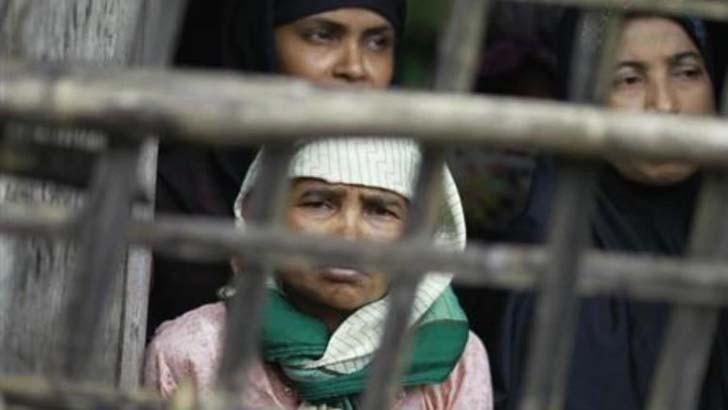 মিয়ানমার বাহিনীর ছোড়া গোলায় ২ রোহিঙ্গা নারী নিহত