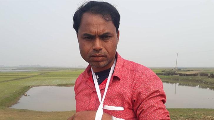 আহত গ্রাম উন্নয়ন কমিটির নেতা আবদুল হালিম।