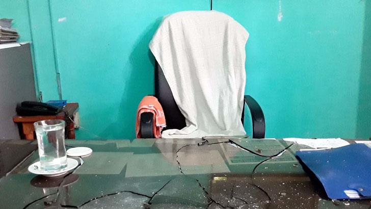 জয়বাংলা স্লোগান দিয়ে রংপুরে মৎস্য কর্মকর্তার ওপর যুবলীগ নেতার হামলা