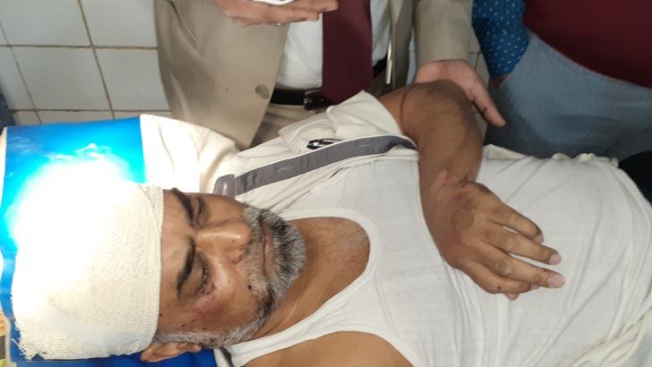 সড়ক দুর্ঘটনা: ময়মনসিংহ বিভাগীয় কমিশনার মোস্তাফিজুরসহ আহত ৩