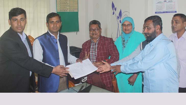 কেশবপুর উপ-নির্বাচনে জাতীয় পার্টির প্রার্থী এসএম হাবীবুর রহমান মনোনয়নপত্র জমা দিয়েছেন