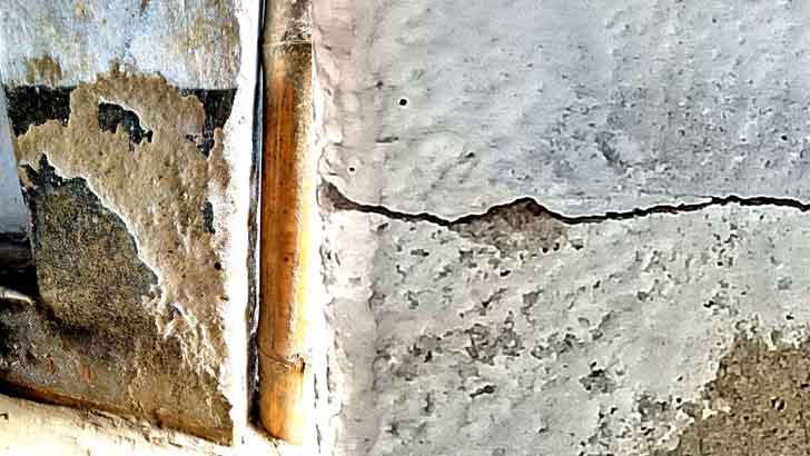 রামপালে সরকারিভাবে নির্মিত ঘরগুলোয় ৩ মাসেই ফাটল
