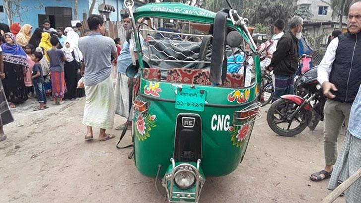 নোয়াখালীতে পিকআপচাপায় মা-মেয়ে নিহত