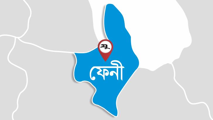 ফেনীতে কলেজ ফাঁকি দিয়ে হোটেলে আড্ডা, ৪ কিশোর-কিশোরী আটক