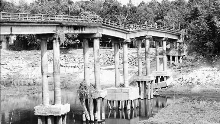 বাসাইলে বালু উত্তোলনে দেবে গেছে সেতু