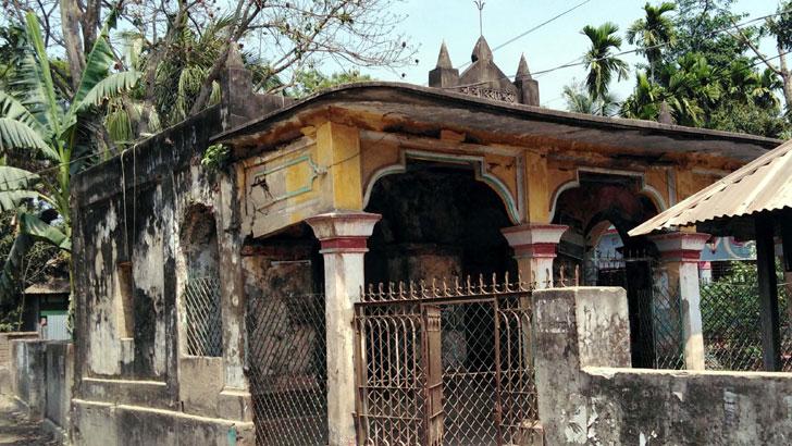 মুরাদনগরে ৪শ' বছরের প্রাচীন মন্দিরের মামলার রায়