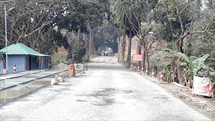 মহদিপুর-সোনামসজিদ বন্দরে আমদানি-রফতানি বন্ধ