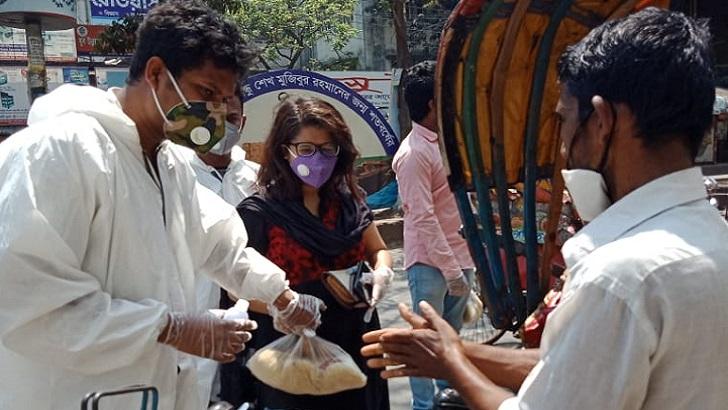 ঢাকা বিশ্ববিদ্যালয়ের ছাত্র শিক্ষক কেন্দ্রের (টিএসসি) 'পায়রা চত্বর'