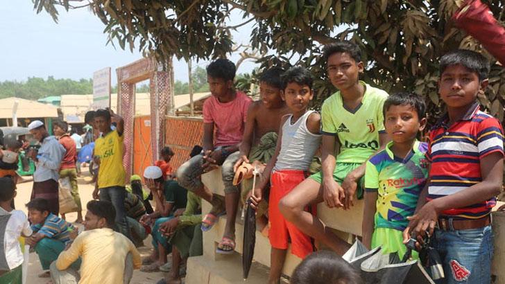 করোনা নিয়ে রোহিঙ্গা ক্যাম্পে কাজ করছে ইউএনএইচসিআর