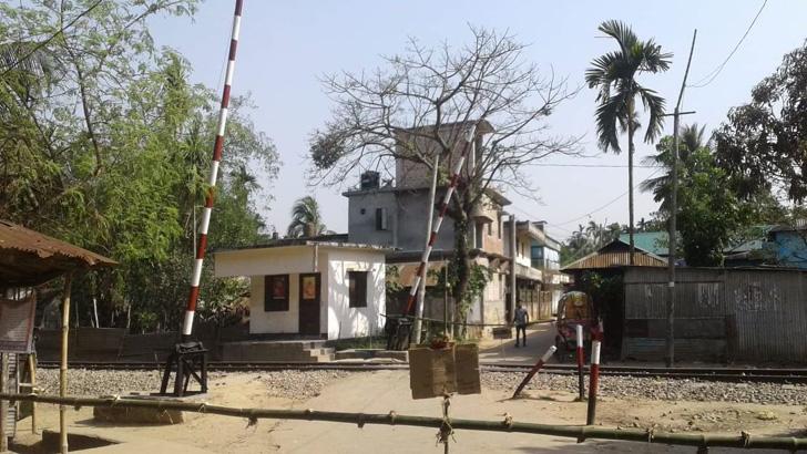 শায়েস্তাগঞ্জের পাড়া মহল্লায় ব্যারিকেড