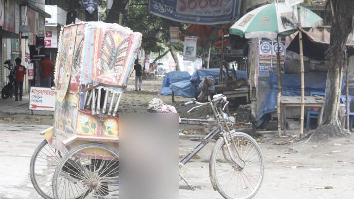 চাঁপাইয়ে রিকশায় চালকের লাশ পড়ে ছিল ৩ ঘণ্টা