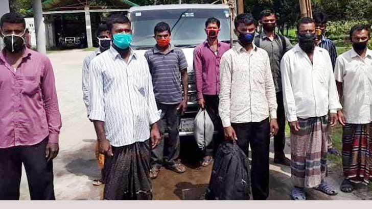 গাইবান্ধার ৬০ শ্রমিককে পাঠানো হল সুনামগঞ্জের হাওরে