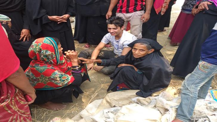 কটিয়াদীতে মেয়ের সামনে মাকে কুপিয়ে হত্যা