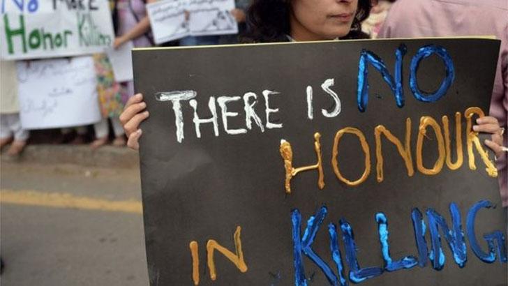 পাকিস্তানে দুই কিশোরীকে গুলি করে হত্যা করল বাবা ও ভাই