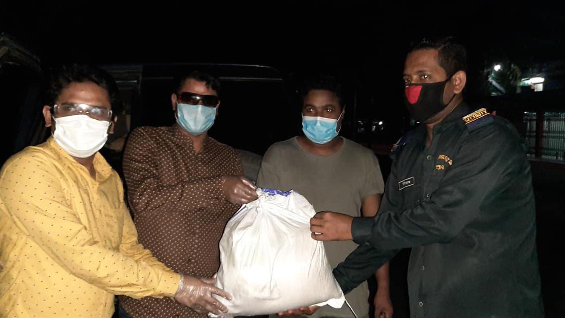Hiệp hội cựu sinh viên DU 'Cầu' bên cạnh nạn nhân Corona