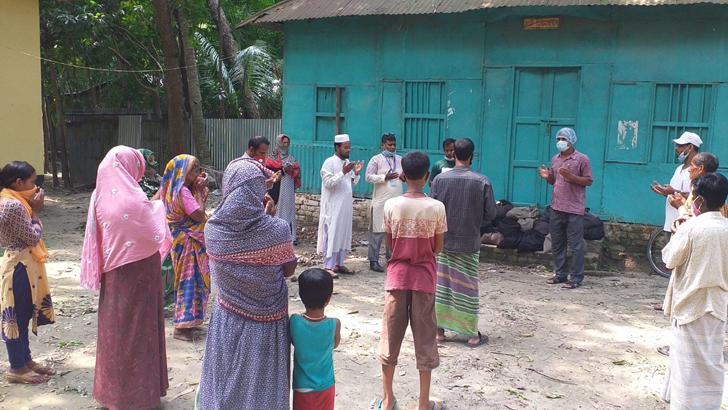 দুস্থদের ঈদ উপহার দিল গোয়ালন্দ যুগান্তর স্বজন সমাবেশ