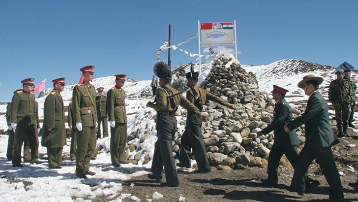 লাদাখে ভারত-চীন সেনাবাহিনীর ফ্ল্যাগ মার্চ