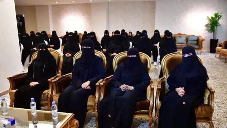 এবার সৌদির বিচার বিভাগে নিযুক্ত হচ্ছে ৫৩ নারী কর্মকর্তা