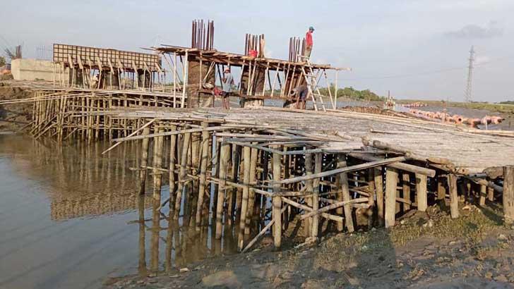 রামপালের বগুড়া নদীর ওপর ব্রিজ নির্মাণে ধীরগতি