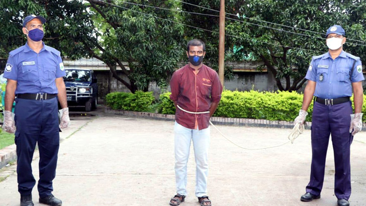 তরুণীকে যৌনপল্লীতে বিক্রি, যুবক গ্রেফতার