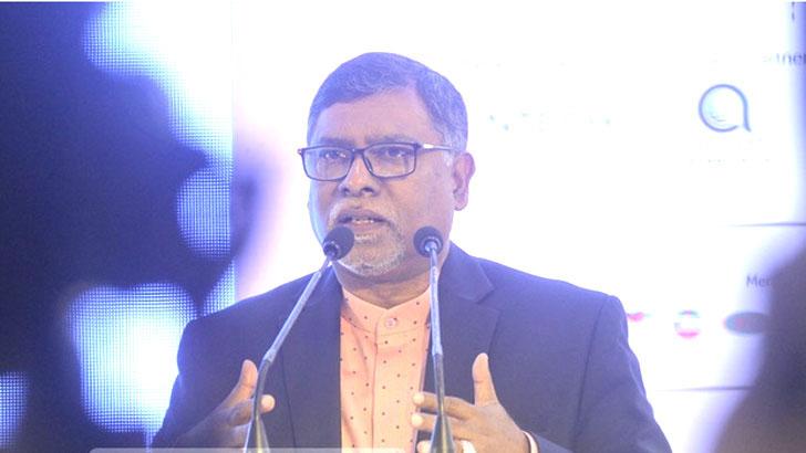 সচিবালয়ে স্বাস্থ্যমন্ত্রী জাহিদ মালেক স্বপন