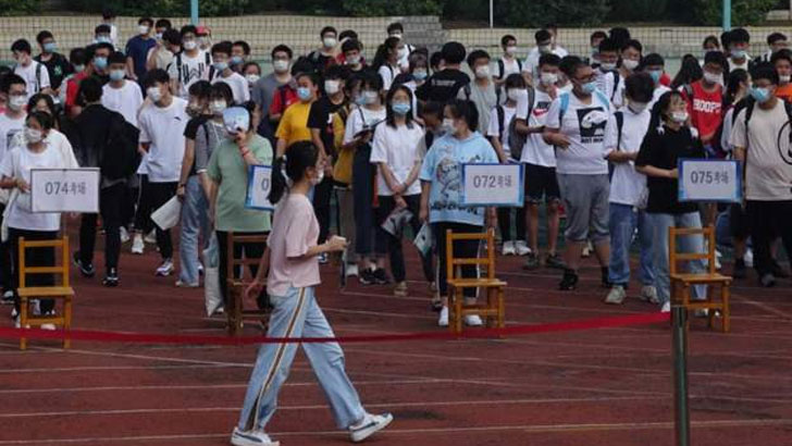 করোনার মধ্যেই চীনে বিশ্ববিদ্যালয় ভর্তি পরীক্ষায় কোটি শিক্ষার্থী