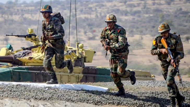 ৭২০০০ অত্যাধুনিক রাইফেল পেল ভারতীয় সেনাবাহিনী, আরও ৭২ হাজার আসছে