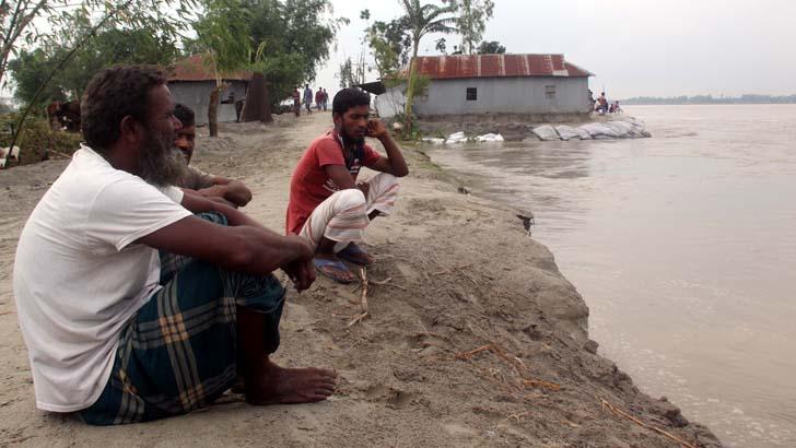 রংপুরে ৩ শতাধিক বাড়িঘর নদীগর্ভে বিলীন