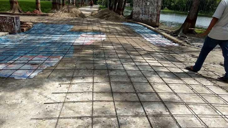 ব্রজমোহন কলেজে উন্নয়ন কাজে 'হরিলুট'