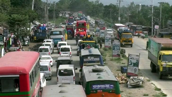 ঢাকা-টাঙ্গাইল-বঙ্গবন্ধু সেতু মহাসড়কে ৬৫ কিমি যানজট