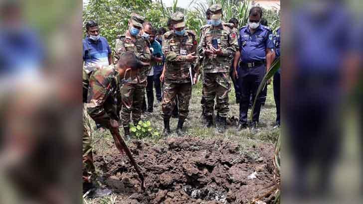 চুয়াডাঙ্গায় হ্যান্ড গ্রেনেড ধ্বংস করল সেনাবাহিনী