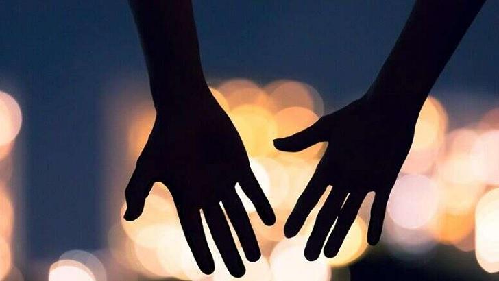 ঘটনাটি ঘটেছে ভারতের তামিলনাড়ু রাজ্যের মাদুরাইয়ের মেলা পোন্নাগরম এলাকায়। আর এ কাণ্ড করেছেন ৭৪ বছর বয়সী সেতুরমন। তিনি একজন রিয়েল স্টেট ব্যবসায়ী। এএনআই