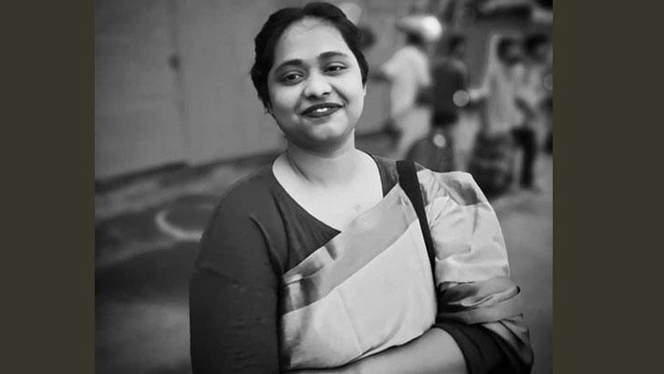 ভাটারায় কাভার্ডভ্যানের ধাক্কায় আর্ট কলেজছাত্রীর মৃত্যু