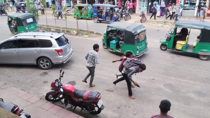 মৌলভীবাজারে ধর্ষণবিরোধী আন্দোলনে ছাত্রলীগের হামলা