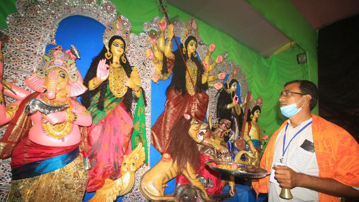 রাজশাহীতে শারদীয় দুর্গাপূজা শুরু