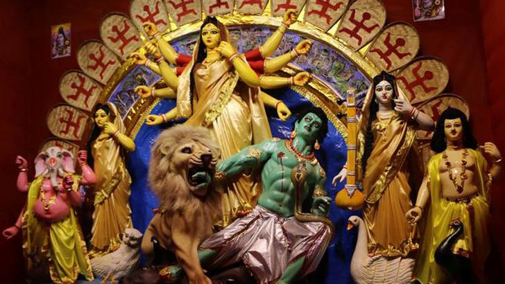 সার্বজনীন দুর্গাপূজা: ঈশ্বরের মাতৃরূপ