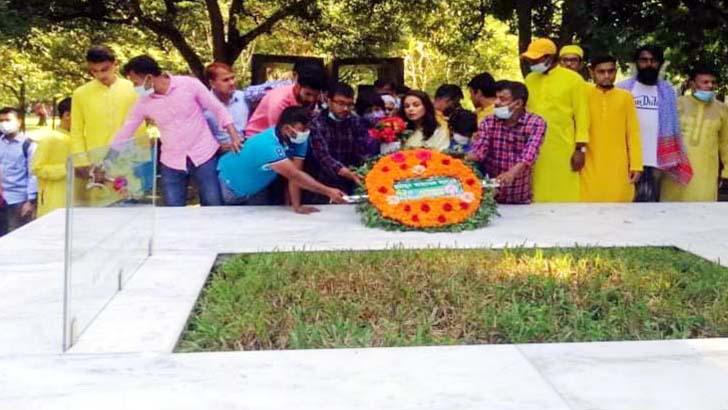 নুহাশপল্লীতে হুমায়ূন আহমেদের ৭২তম জন্মদিন পালন