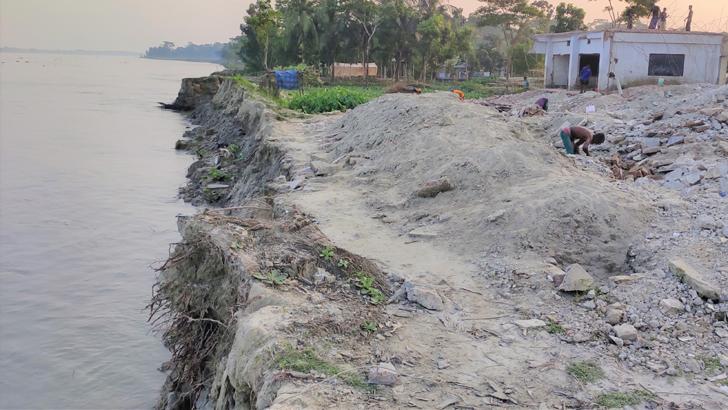 মির্জাগঞ্জের ৪ শিক্ষাপ্রতিষ্ঠান নদীগর্ভে বিলীন